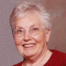 Mme Suzelle Poulin-Carrière