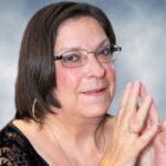 Lynne-Marchand-CARRÉE-e1627921963538.jpg